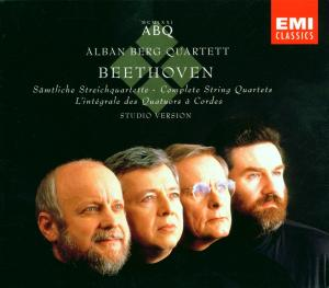 Beethoven: Sämtliche Streichquartette Nr. 1 - 16 / Grosse Fugee op. 133 - EAN 0724356931725 - Frontcover